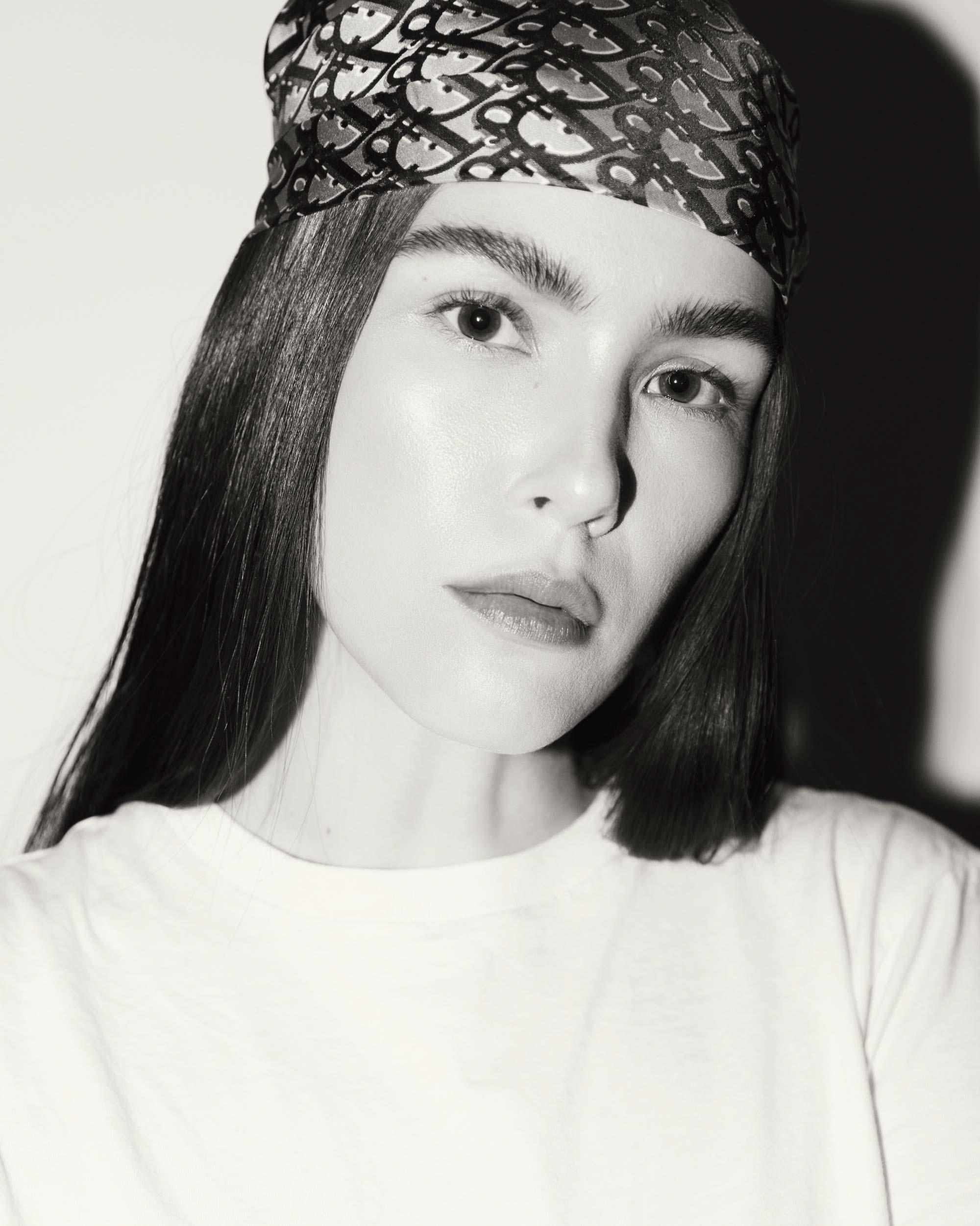 lena-herrmann-dior-scarf-01